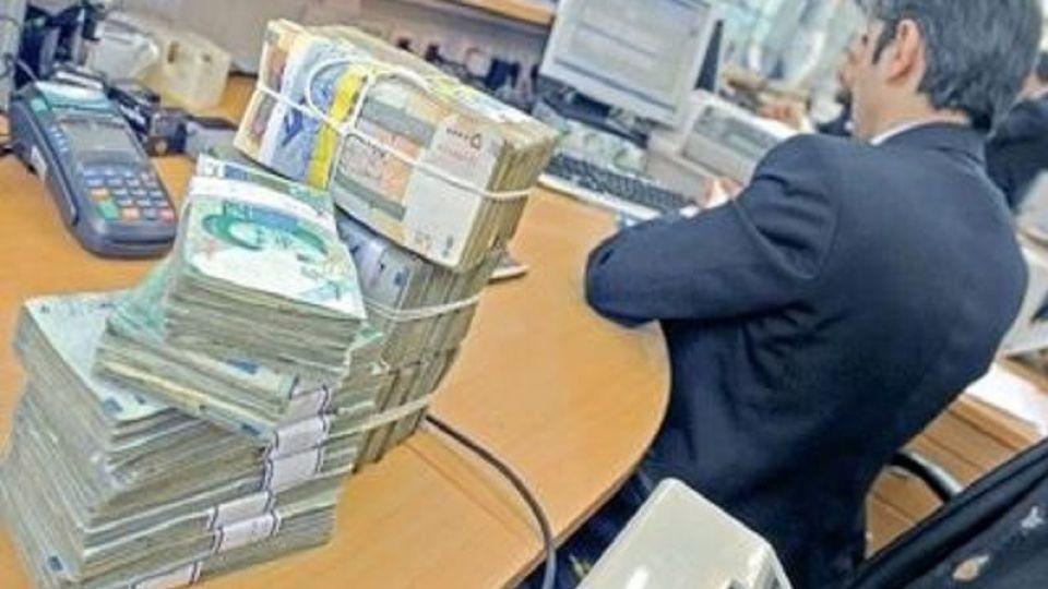 منابع نظام بانکی جایگزین نفت شد، بانک ها ملزم به خرید اوراق اقتصادی دولت می شوند